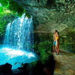 xenses-el-parque-de-xcaret-cuevas